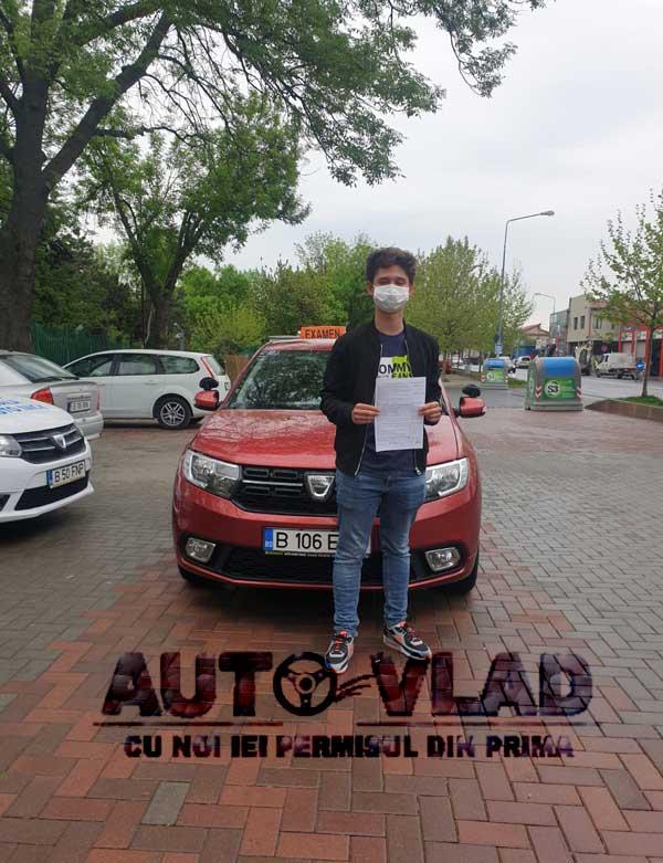 Student-scoala-de-soferi-autovlad-Bucuresti-v16